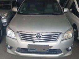 Banten, jual mobil Toyota Kijang Innova V 2013 dengan harga terjangkau