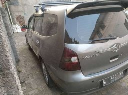 Mobil Nissan Grand Livina 2011 XV dijual, Jawa Barat