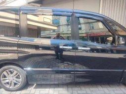 Mobil Nissan Serena 2014 Highway Star dijual, Jawa Timur