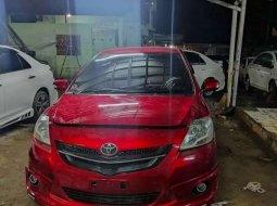 Mobil Toyota Limo 2012 terbaik di DKI Jakarta