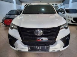 Jual mobil Toyota Fortuner VRZ 2019 bekas, Jawa Timur