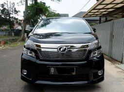 Jawa Barat, Toyota Vellfire V 2013 kondisi terawat