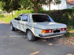 Jual Mercedes-Benz 200 1983 harga murah di Jawa Barat