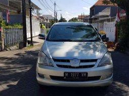 Jawa Timur, jual mobil Toyota Kijang Innova V 2004 dengan harga terjangkau