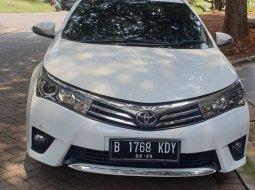 Toyota Corolla Altis V 2014 Putih