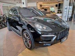 DKI Jakarta, Porsche Cayenne 2011 kondisi terawat