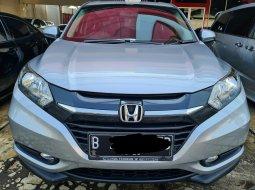 Honda HRV E 1.5 AT ( Matic ) 2017 Abu2 muda  Km 69rban Siap Pakai