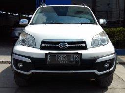 Daihatsu Terios TX ADVENTURE 2015 Putih Tdp Minim