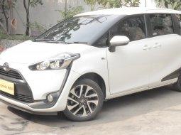 Toyota Sienta V CVT 2018 Putih