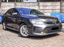 Toyota Camry V 2015 Sedan
