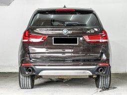 BMWX SERIESX5 xDrive (X SERIES)3000,00ATBENSIN2015Coklat Metalik