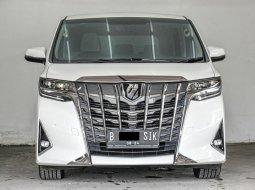 Toyota Alphard X 2018 Putih Kilometer Rendah Siap Pakai Bergaransi