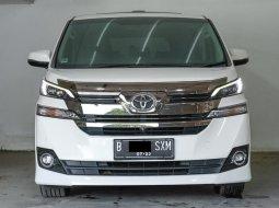 Toyota Vellfire G 2015 Putih Langka Kilometer Rendah Bergaransi Siap Pakai