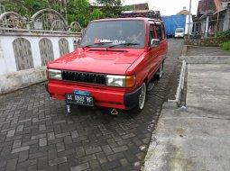 Toyota Kijang 1.5 Manual Merah