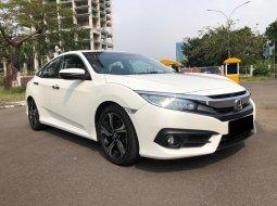Honda Civic ES 2018 Sedan Putih