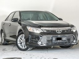Toyota Camry V 2016 Sedan