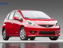 Review Honda Jazz 2010