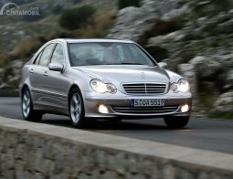 Review Mercedes-Benz C 180 Kompressor 2003, Sedan Mewah Yang Tak Termakan Usia