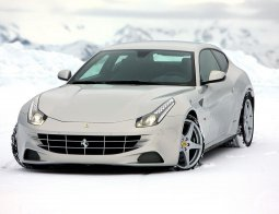 Review Ferrari FF 2011