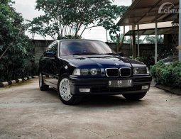 Review BMW 318i 1998