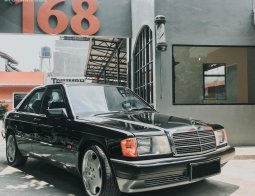 Review Mercedes-Benz 190E 2.0 1984