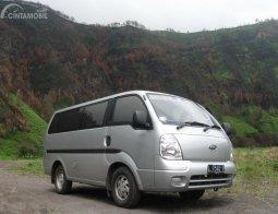 Review KIA Travello 2006: Paket Lengkap Untuk Pebisnis Travel dan Sewa Mobil