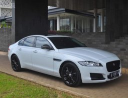 Review Jaguar XF 2.0 Black Jack 2017