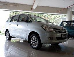Review Toyota Kijang Innova 2.0 V AT 2004: Beautiful [R]evolution