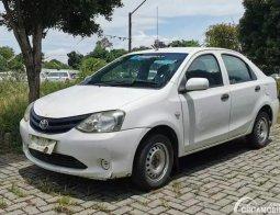 Review Toyota Etios Liva ex-Taksi 2013: Mobil Bekas Seharga Motor Baru