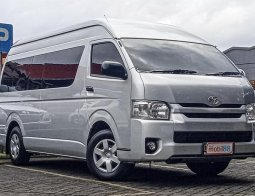 Jual Mobil Bekas Toyota Hiace High Grade Commuter 2017 di Jawa Barat