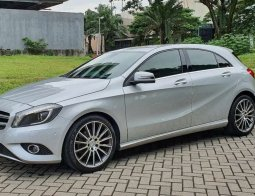 Jual cepat Mercedes-Benz A-Class A 200 2013 di Jawa Timur