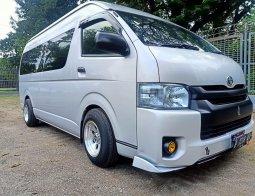 Dijual Mobil Toyota Hiace High Grade Commuter 2019 di Bekasi