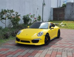 Dijual mobil Porsche 911 Carrera 2015 di Jawa Timur