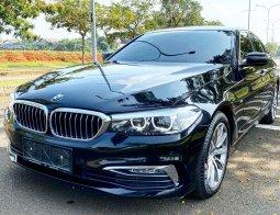 Dijual cepat mobil BMW 5 Series 520i LUXURY G30 2018 di Tangerang