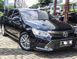 Dijual Mobil Toyota Camry V 2016 di Depok
