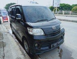 Dijual Mobil Daihatsu Luxio D M/T 2016 di Bekasi
