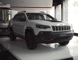 Review Jeep Cherokee Trailhawk 2020: Mobil Off-road Legendaris Pelibas Jimny