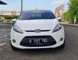 Ford Fiesta 1.4 Trend AT 2013 Wihte On Black Mulus Terawat TDP 30Jt