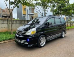 Jual mobil bekas murah Nissan Serena Highway Star Autech 2010 di Jawa Tengah