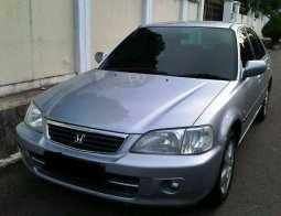 Suzuki Baleno MT thn 2000 warna Silver metalik