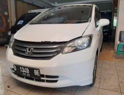 Jawa Barat, Honda Freed 1.5 2010 kondisi terawat