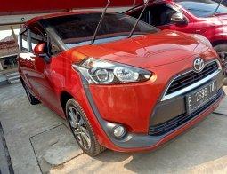 Toyota Sienta V CVT 2016