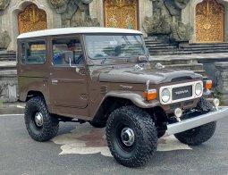 Toyota Land Cruiser HardTop FJ40 th 81