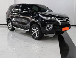 Toyota Fortuner 2.4 VRZ AT 2017 Hitam