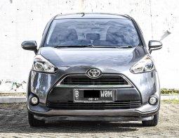 Toyota Sienta G 2016 Abu-abu