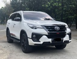 Toyota Fortuner 2.4 VRZ TRD AT 2020 LIKE NEW