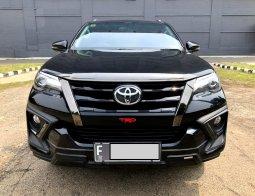 Toyota Fortuner VRZ TRD 2019 AT Hitam