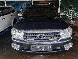 Jual Toyota Fortuner V 2005 harga murah di Banten
