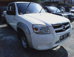 Mazda BT-50 2.5 D Pickup 2011 Putih
