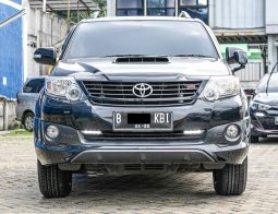 Toyota Fortuner 2.4 G AT 2015
